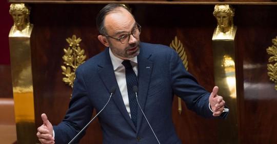 Lo biểu tình bạo lực, Pháp đóng cửa nhiều điểm du lịch cuối tuần - Ảnh 1.