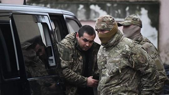 Đô đốc Ukraine muốn ngồi tù thay các thủy thủ bị Nga bắt - Ảnh 2.