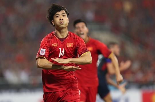 Clip: Thắng Philippines 4-2, Việt Nam vào chung kết AFF Cup 2018 - Ảnh 3.