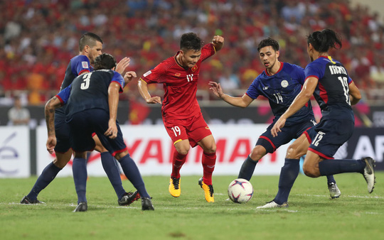 Clip: Thắng Philippines 4-2, Việt Nam vào chung kết AFF Cup 2018 - Ảnh 4.