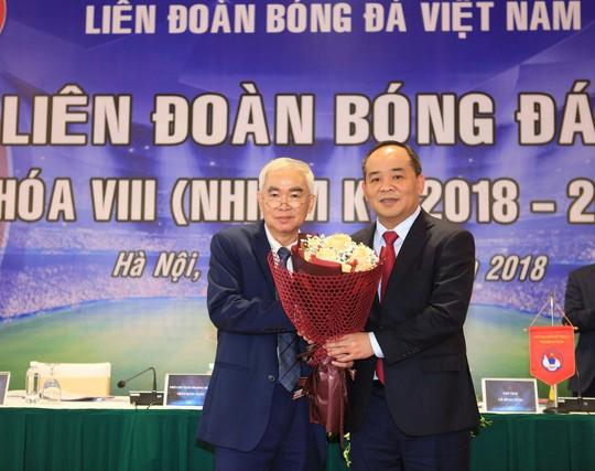 Ông Lê Khánh Hải đắc cử Chủ tịch VFF với số phiếu bầu tuyệt đối 100% - Ảnh 1.