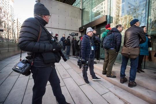 Mỹ sợ giám đốc tài chính Huawei bỏ trốn - ảnh 1