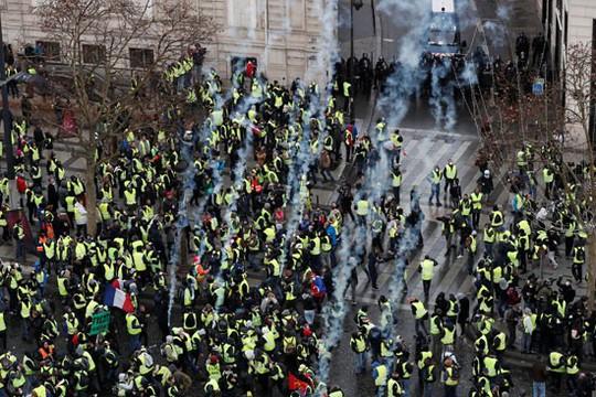 Pháp: Bạo loạn tiếp diễn, số người bị bắt tăng vọt - Ảnh 5.