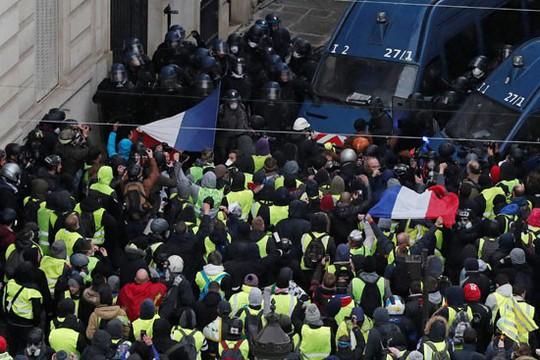 Pháp: Bạo loạn tiếp diễn, số người bị bắt tăng vọt - Ảnh 2.