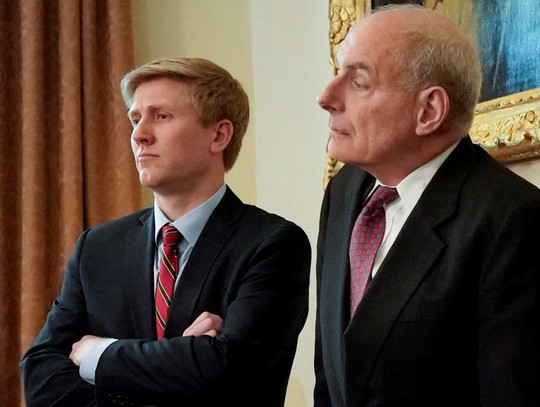 Chánh văn phòng của ông Trump từ chức, ai sẽ thay thế? - ảnh 2