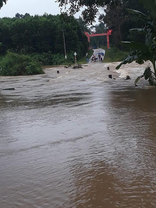 Sau Đà Nẵng, đến lượt nhiều vùng ở Quảng Nam ngập cục bộ - Ảnh 1.