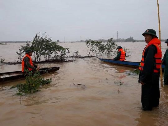 Quảng Trị: Mưa lớn khiến nước dâng sập tường nhà, cuốn trôi 2 mẹ con - Ảnh 3.
