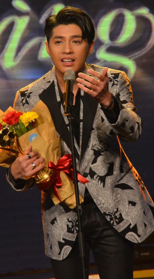 Bày tỏ cảm xúc của nghệ sĩ đoạt giải - Ảnh 3.