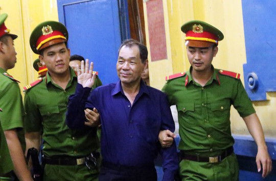 Đại gia Hứa Thị Phấn vắng mặt trong phiên xử Trầm Bê - Ảnh 5.