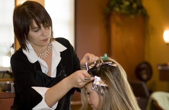 Chỉ cần chú ý 5 điều sau, bạn sẽ an toàn hơn khi nhuộm tóc - Ảnh 3.