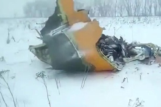 Rơi máy bay ở Nga, 71 người hết hy vọng sống sót - Ảnh 2.