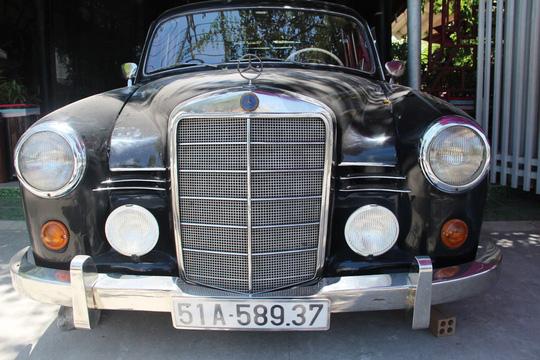 Sống với niềm đam mê xe cổ - Ảnh 2.