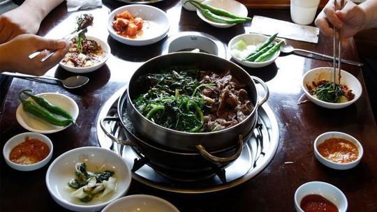 Nhà hàng thịt chó ở Pyeongchang vẫn mở cửa đón khách trong thời gian thế vận hội - Ảnh 2.