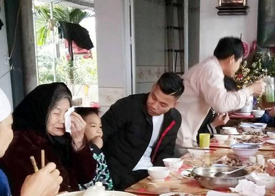 Clip gia đình tuyển thủ U23 Việt Nam Văn Thanh sum vầy vui như Tết - Ảnh 2.