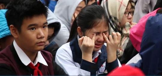 Người thầy khiến hàng ngàn học sinh bật khóc - Ảnh 1.