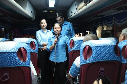 Hơn 150 công nhân được đài thọ xe về quê ăn Tết - Ảnh 3.