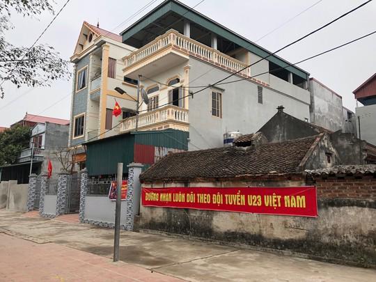 Thăm nhà Quang Hải: Con trai thành danh, cả làng được nhờ - Ảnh 2.