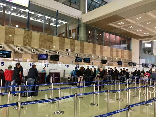 4 triệu lượt khách về quê ăn Tết qua cửa ngõ Tân Sơn Nhất - Ảnh 1.