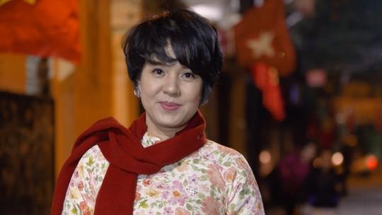Nhà báo Diễm Quỳnh tái xuất sau 2 năm vắng bóng - Ảnh 3.