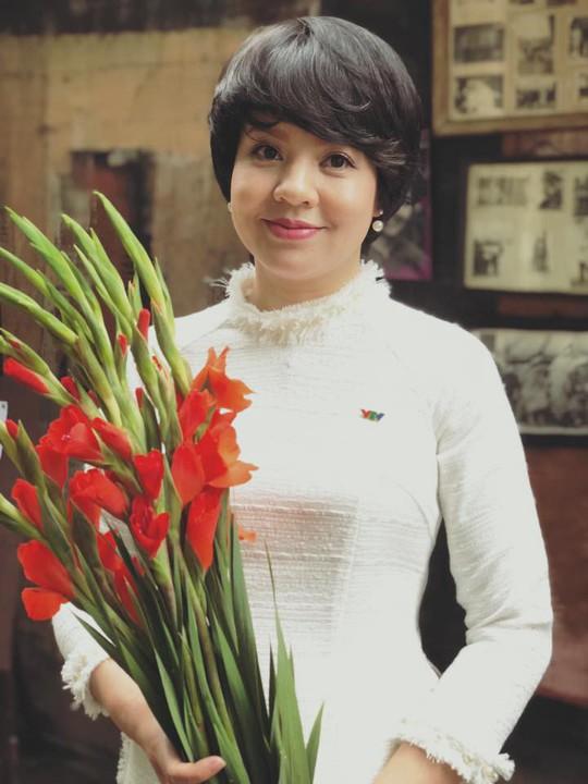 Nhà báo Diễm Quỳnh tái xuất sau 2 năm vắng bóng - Ảnh 1.
