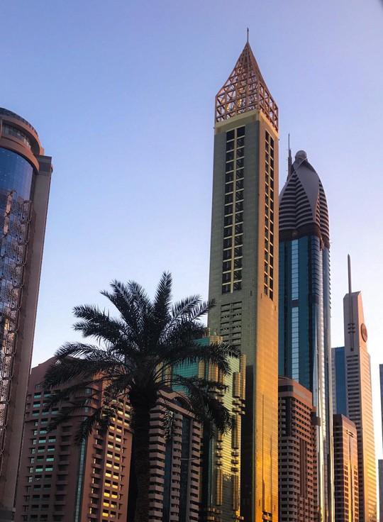Dubai khánh thành khách sạn cao nhất thế giới - Ảnh 1.