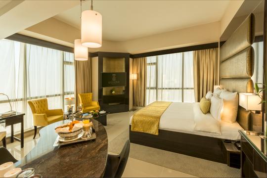 Dubai khánh thành khách sạn cao nhất thế giới - Ảnh 4.