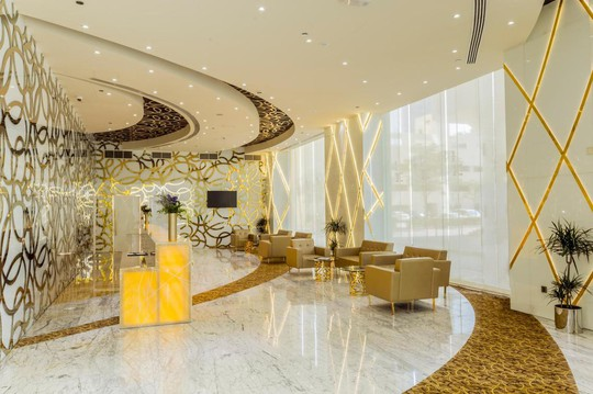 Dubai khánh thành khách sạn cao nhất thế giới - Ảnh 5.
