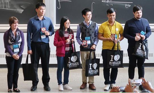 Đại học Duy Tân - Thành tựu năm 2017 và điểm mới trong mùa tuyển sinh 2018 - Ảnh 3.