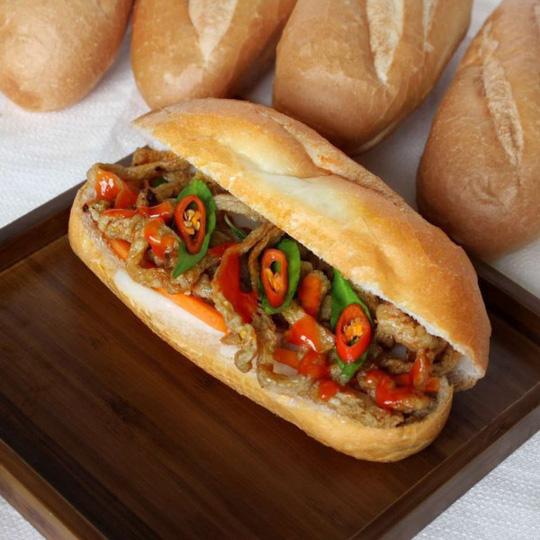 Những quán bánh mì ngon độc lạ chỉ có ở Sài Gòn, dân 'sành ăn' nhất định đừng bỏ lỡ! - Ảnh 4.