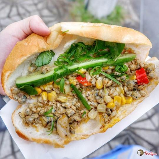Những quán bánh mì ngon độc lạ chỉ có ở Sài Gòn, dân 'sành ăn' nhất định đừng bỏ lỡ! - Ảnh 9.