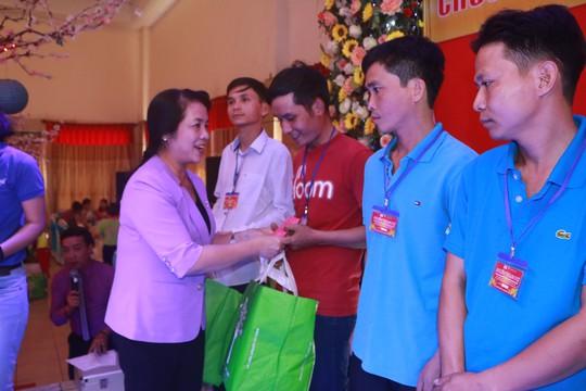 Lãnh đạo TP HCM vui Tết cùng công nhân - Ảnh 6.