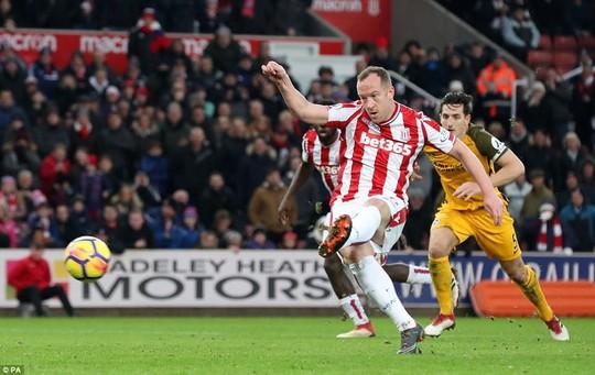Tốp 5 bàn thắng đẹp nhất vòng 27 Premier League - Ảnh 3.