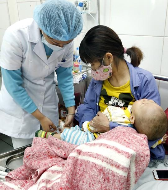 (Xuanonline 29Tet 14.2) Tết Nguyên đán: Bệnh nhân nhận lì xì, ăn miễn phí - Ảnh 10.
