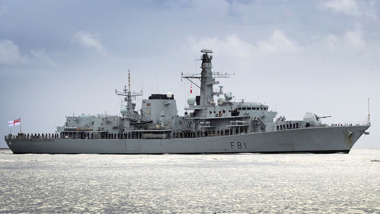 Không ngán Trung Quốc, Anh đưa chiến hạm đi qua biển Đông - Ảnh 1.