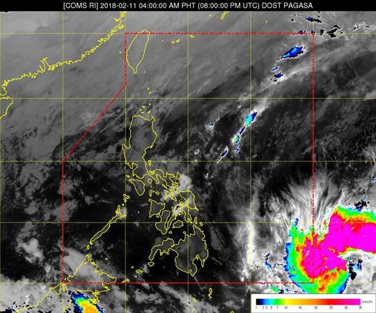 Bão Sanba suy yếu thành áp thấp nhiệt đới - Ảnh 1.