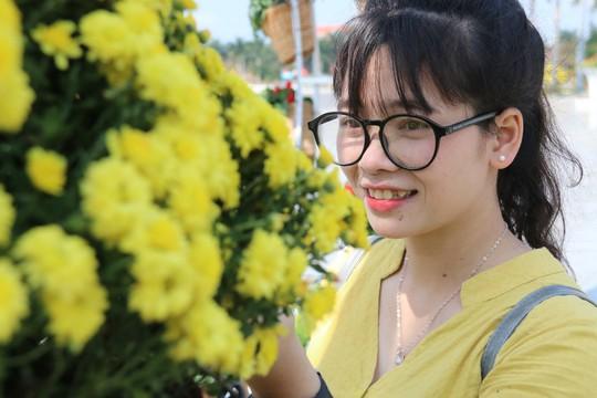 Khoác áo hoa ngày Tết, quảng trường Tam Kỳ đẹp lộng lẫy - ảnh 9