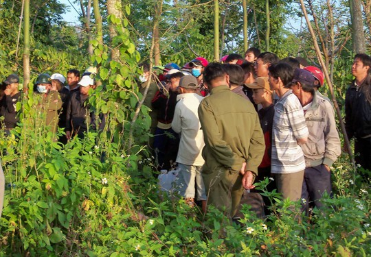 Một thai phụ chết trong tư thế treo cổ ở vườn tiêu - Ảnh 2.