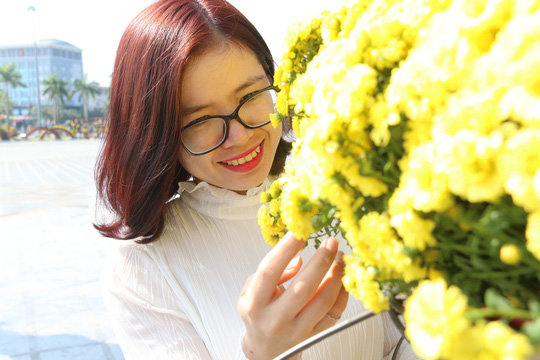 Khoác áo hoa ngày Tết, quảng trường Tam Kỳ đẹp lộng lẫy - ảnh 8
