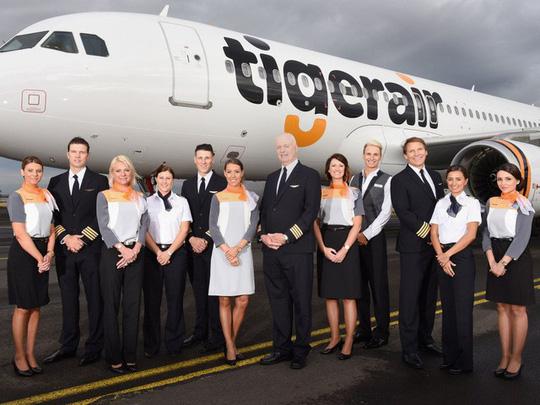 Những hãng hàng không có đồng phục thanh lịch nhất thế giới - ảnh 7