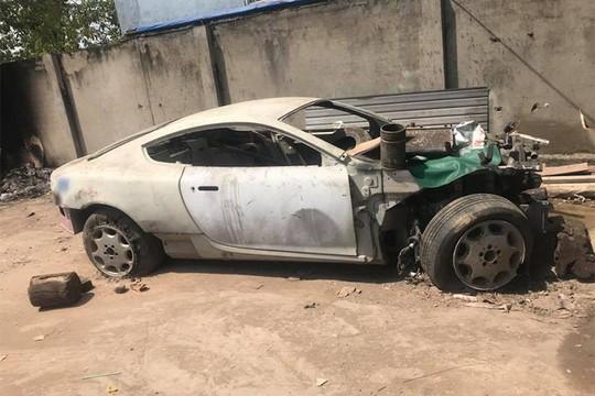 Siêu xe Aston Martin tiền tỷ vứt không ai nhặt tại Việt Nam - Ảnh 8.