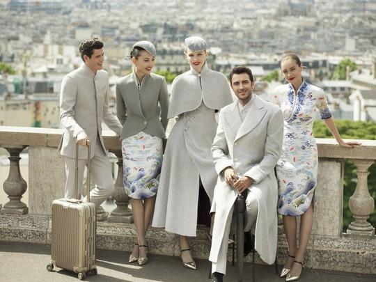 Những hãng hàng không có đồng phục thanh lịch nhất thế giới - Ảnh 9.