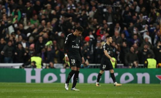 HLV Zidane cười tươi khi Ronaldo lập cú đúp đánh bại PSG - ảnh 4