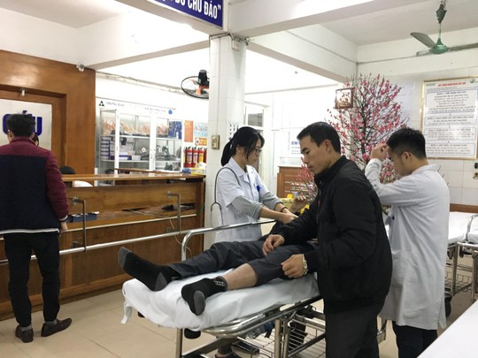 Bộ trưởng Nguyễn Thị Kim Tiến thăm nữ bác sĩ bị ung thư trong đêm giao thừa - ảnh 3
