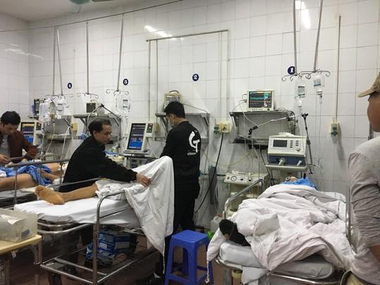 Bộ trưởng Nguyễn Thị Kim Tiến thăm nữ bác sĩ bị ung thư trong đêm giao thừa - ảnh 5