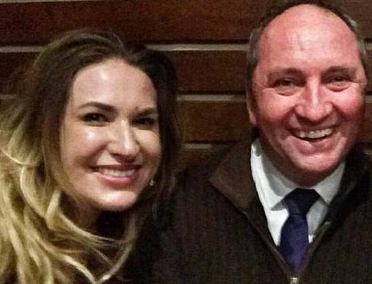 Rúng động vụ phó thủ tướng Úc có con riêng với thư ký - Ảnh 3.