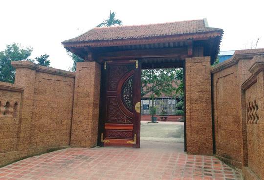 Đại gia xứ Đoài: 'Biệt phủ' đá ong gỗ mít bậc nhất đất Việt - ảnh 2