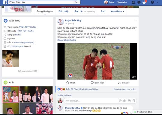 Chùm ảnh độc, lạ U23 Việt Nam chúc mừng năm mới - Ảnh 7.