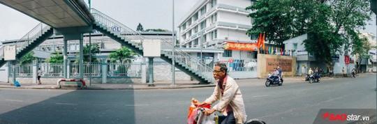 Không ồn ào vội vã, Sài Gòn - Hà Nội được trả lại vẻ yên bình trong ngày mùng 1 Tết - Ảnh 1.