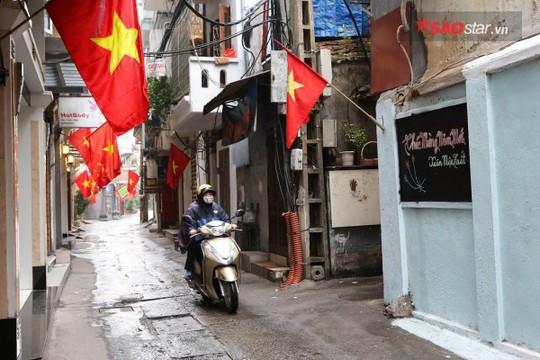 Không ồn ào vội vã, Sài Gòn - Hà Nội được trả lại vẻ yên bình trong ngày mùng 1 Tết - Ảnh 15.