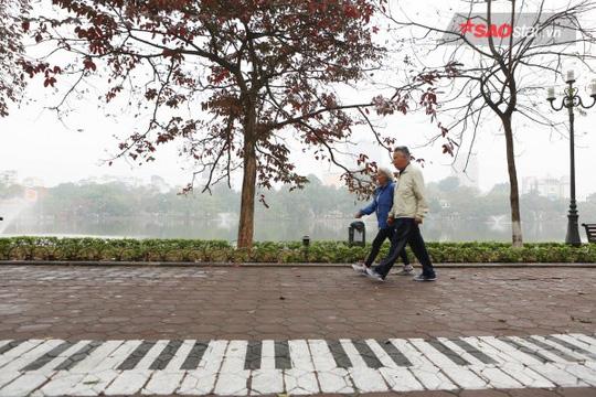 Không ồn ào vội vã, Sài Gòn - Hà Nội được trả lại vẻ yên bình trong ngày mùng 1 Tết - Ảnh 19.